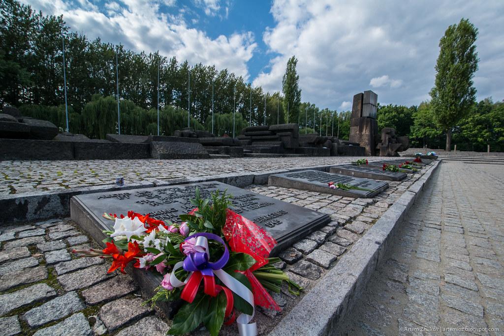 Auschwitz II–Birkenau-7.jpg