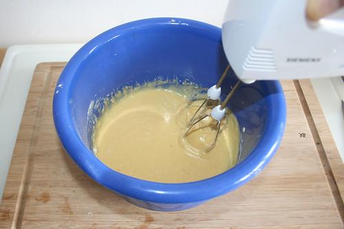 29 - Mehl verrühren / Stir in flour