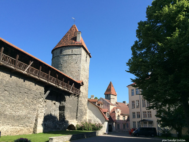 Tallinn_wall_turret_web