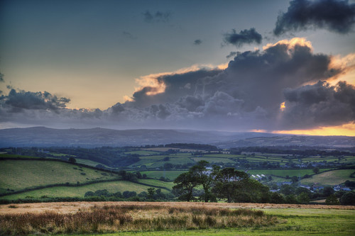 clouds rural landscape countryside devon rainstorm luton raysoflight ideford sunsetoverdartmoor 100xthe2014edition 100xlandscapes westerndartmoor