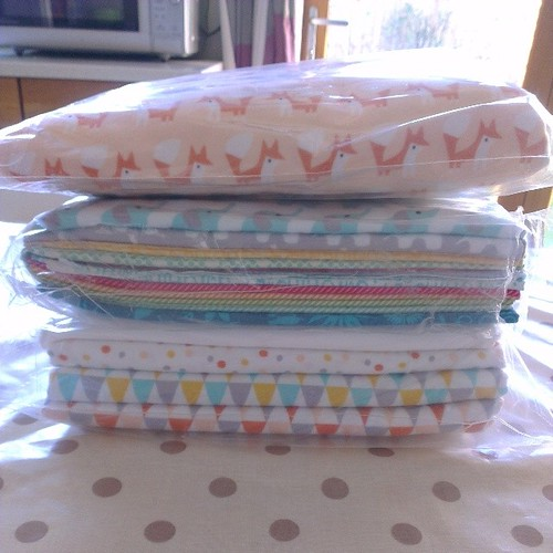 #fabricpost hubby just back from a trip to the States, well it would have been rude not to have him receive a little @pinkcastlefabrics parcel for me while he was there, wouldn't it?