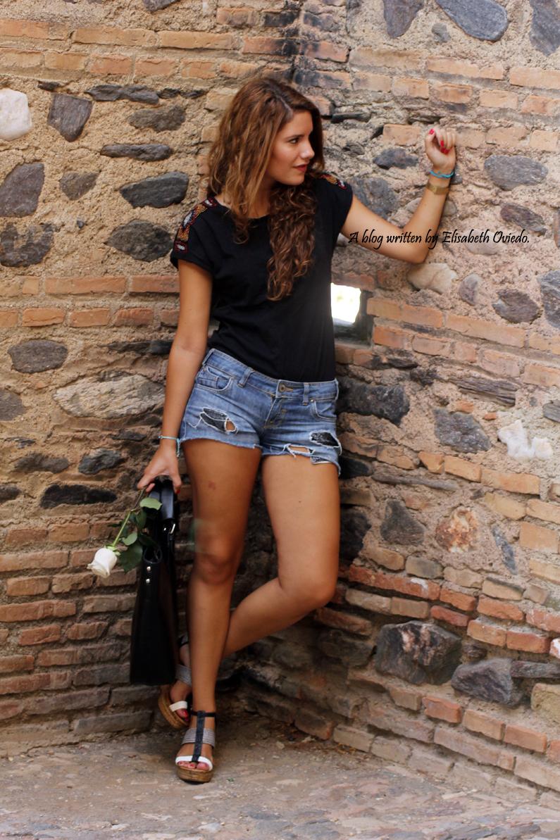 cuñas blancas y negras Marila HEELSANDROSES shorts denim (6)