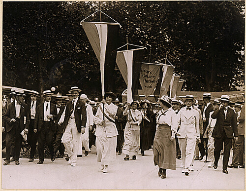 Julia Hurlbut of Morristown NJ leads suffragettes at White House picket 1917