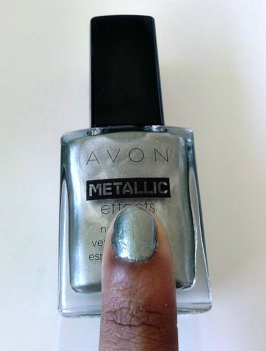 avon-metallic-nail-jade-reflection