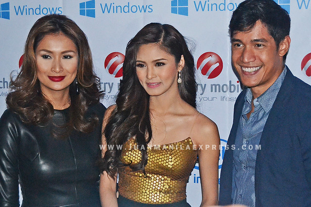 KIM CHIU WITH FELLOW CELEBRITIES. WOW Cherry Mobile launch hosted by Phoemela Baranda and Cherry Mobile Brand Ambassador for Online Victor Basa.