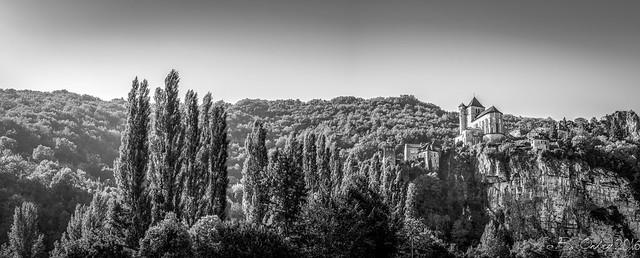 Saint-Cirq-Lapopie, dans la vallée du Lot...