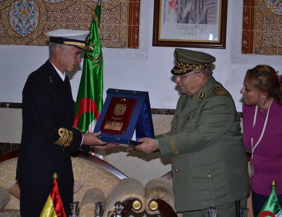 الجزائر : صلاحيات نائب وزير الدفاع الوطني - صفحة 5 30743939436_668d368809_o