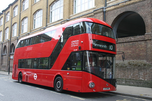 London United LT149 on Route 10, King's Cross