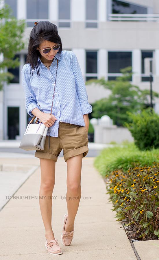 blue/white striped shirt, boyfriend chino shorts, pink boat shoes