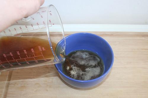 24 - Bier in Schüssel geben / Put beer in bowl