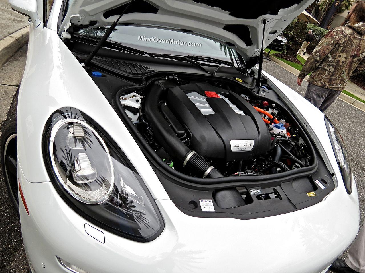Porsche Panamera S E-Hybrid 3.0TFSI V6 Engine