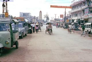 Vinh Long near traffic circle 1973 - Photo by Gene Whitmer