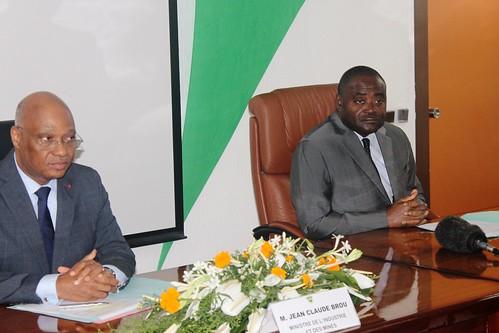 LANCEMENT DU « PRIX DE LA RECHERCHE 2014 » : Les chercheurs ivoiriens invités à participer massivement