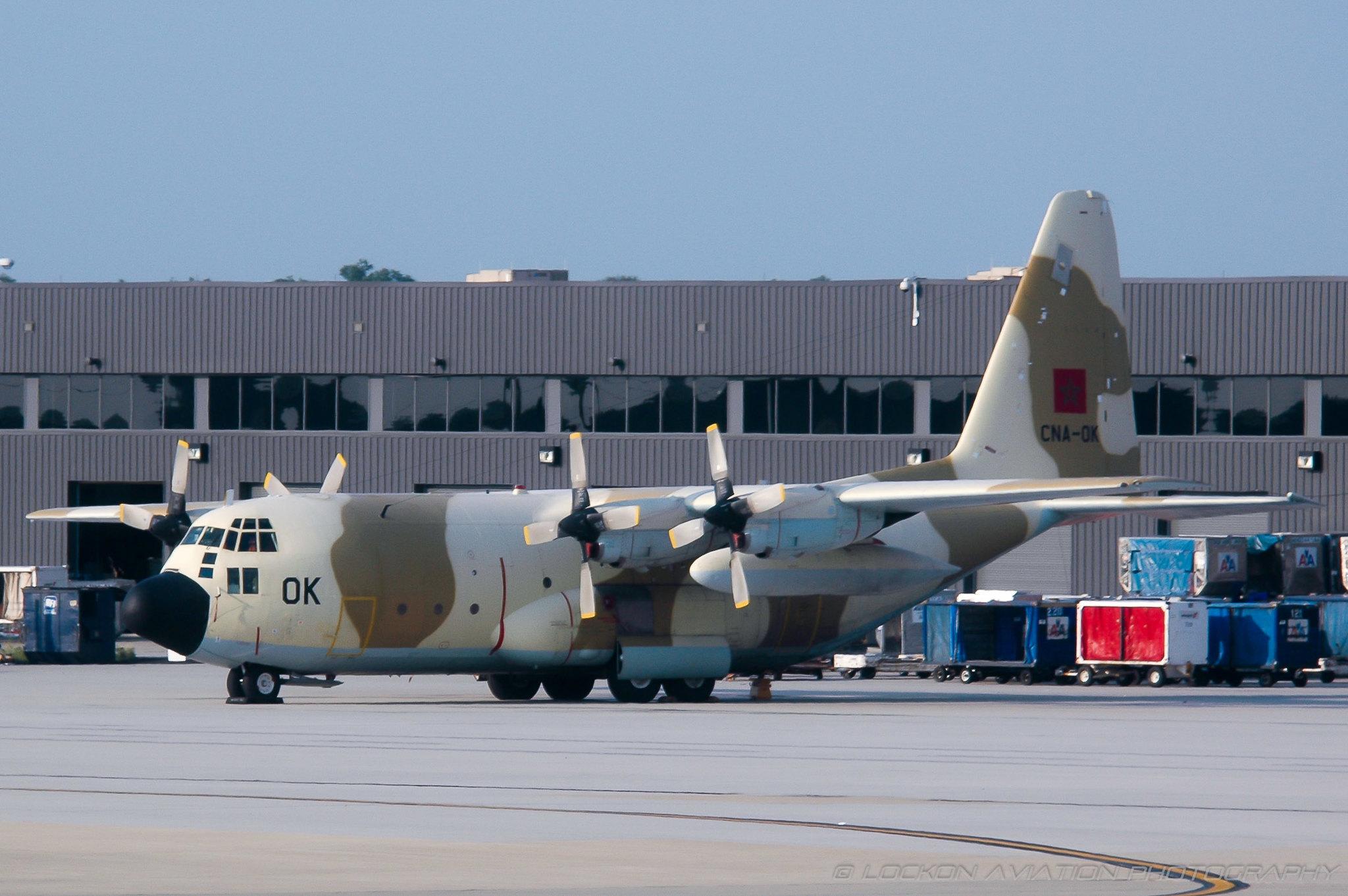طائرات النقل العاملة بالقوات المسلحة المغربية 14759442826_0e6d489502_k