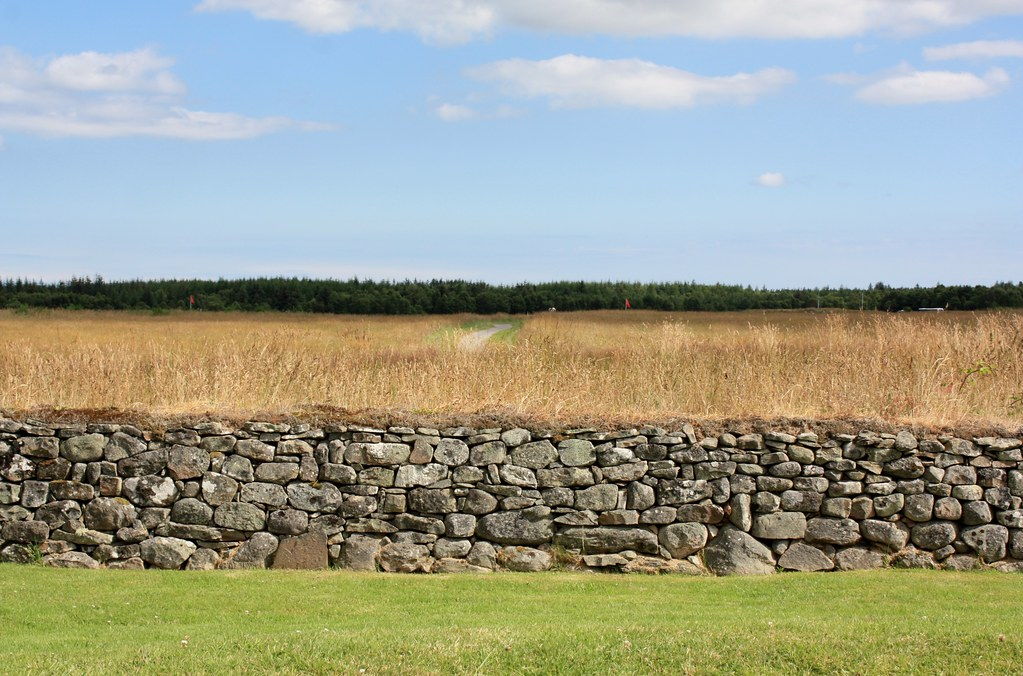 Culloden Stone wall and battlefield