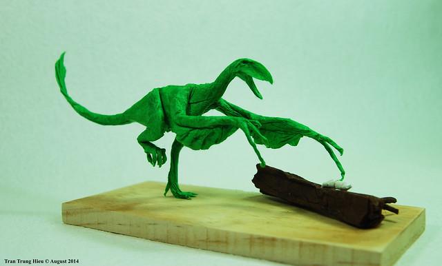 Epidendrosaurus ningchengensis (hunting larvas)