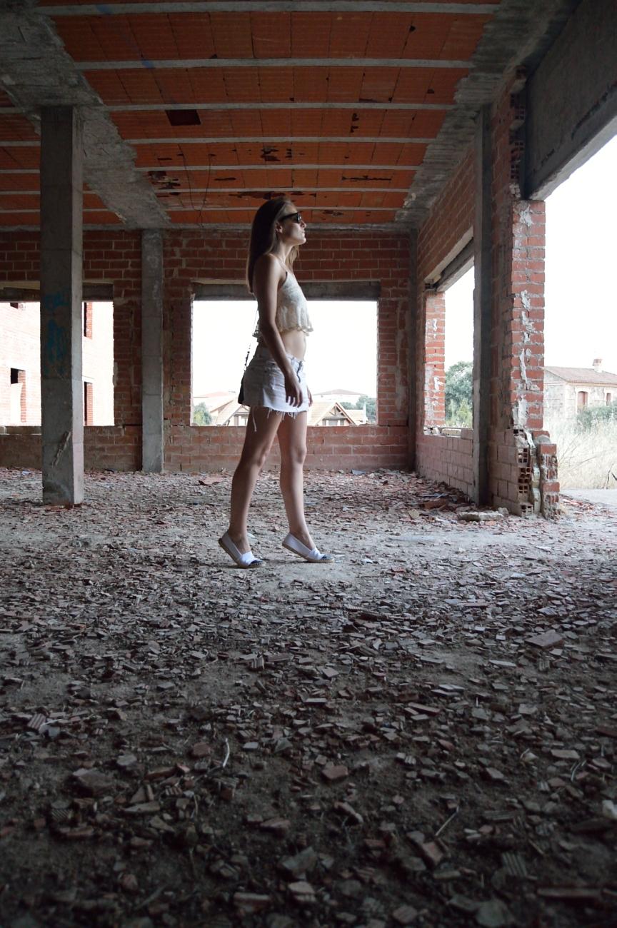 lara-vazquez-mad-lula-fashion-style-look-inside-to outside