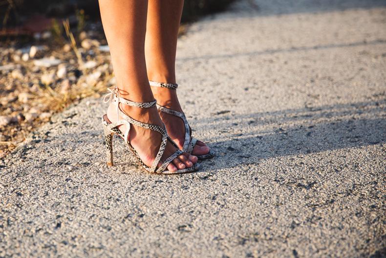 KHAKI_Dress-Trend-Snake_Sandals-34
