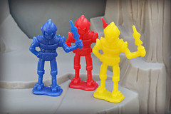 Space War plastic figures 03
