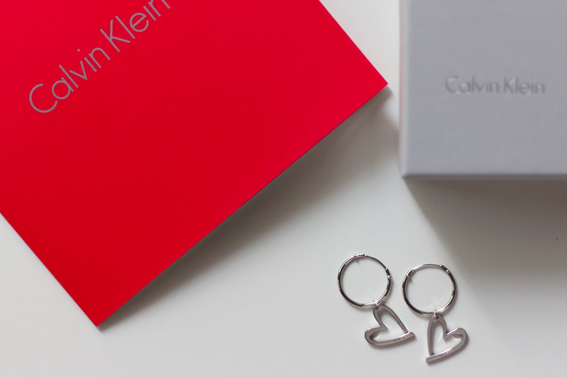 Calvin Klein Joyous обетки на подарок | AfterTwoFive.com