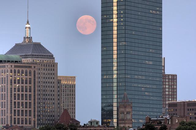 Supermoon over Boston - 2014-08-10 - HDR - Between Hancocks -