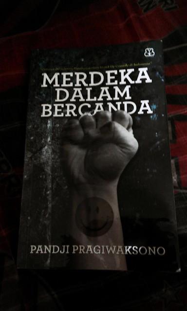 Buku Merdeka Dalam Bercanda