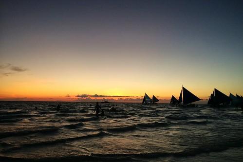 sunset sea boat sailing boracay 海 日落 2014 風帆 長灘島 iphone5s
