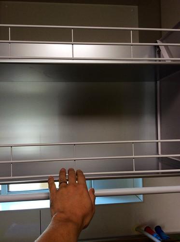 ダウンウォール式吊戸棚は便利この上ない(建匠おだぎり:弘前市のキッチンリフォーム)
