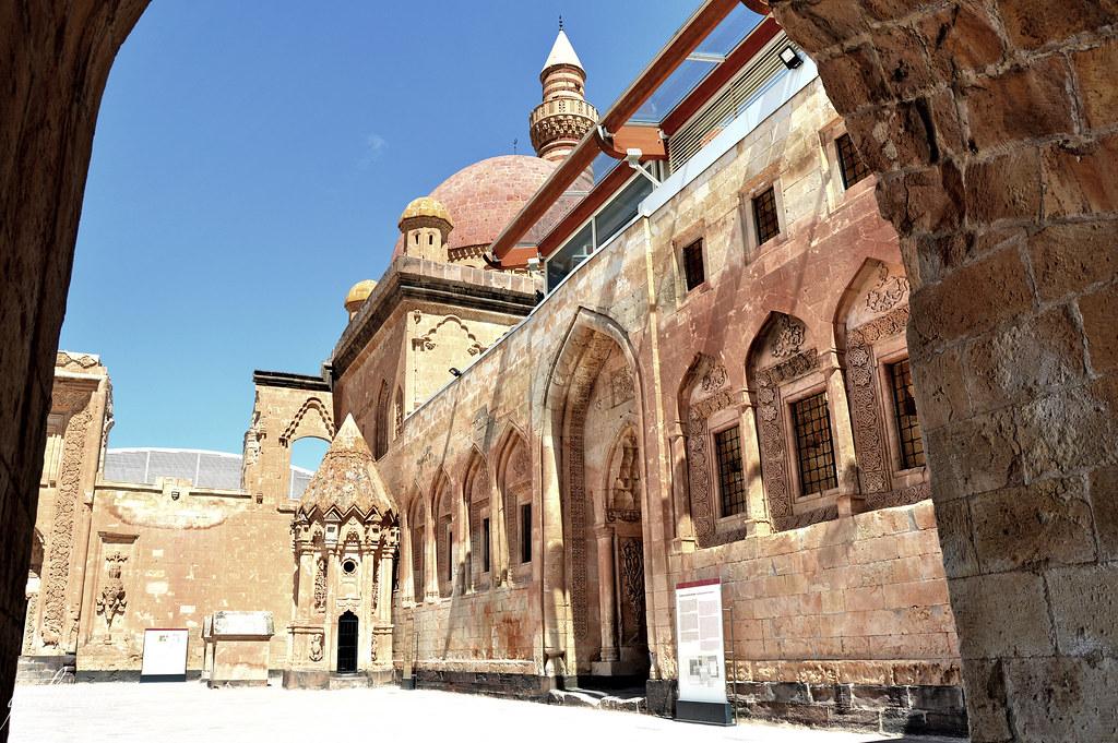 Ishak Pasha Palace/ Xanî Baba