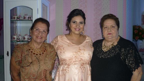 Eunice Corrêa, Renata Moura Santos e Teresa Cristina Corrêa
