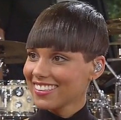 Alicia Keys bowl haircut 30b55a2e122211e382a622000aeb4361_71