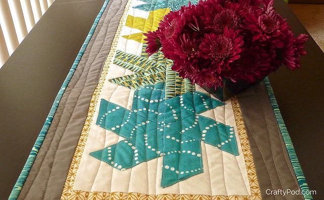 Half Hexie Star Table Runner