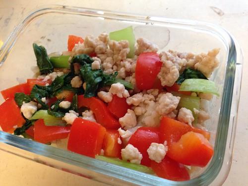 和10M+寶寶一起的無鹽飲食生活:青蔬甜椒雞鬆