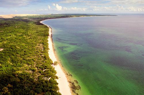 africa paradise indianocean aerialphotography mozambique paraíso moçambique bazaruto bazarutoisland indigobay oceanoindico bazarutoarchipelago andrépipa africafromtheair áfricaaustral photobyandrépipa mozambiquefromtheair baíadeindigo