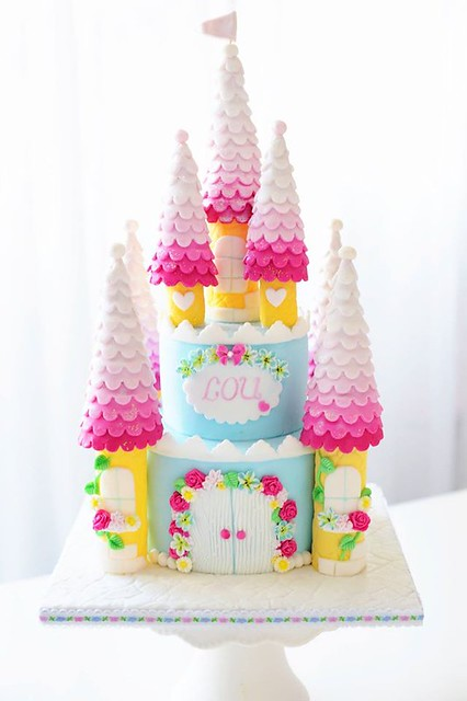 Castle Cake by Kessy's PinkSugar