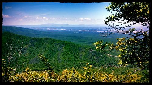 valley shenandoah blueridgeparkway ravensroost bobmical flickrandroidapp:filter=peacock