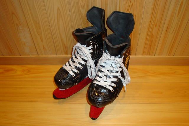 VH hockey boots