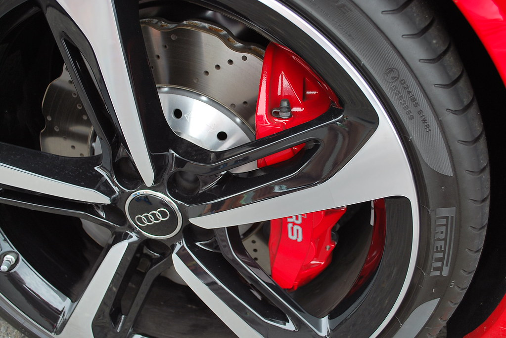 does rs7 brakes fit rs5