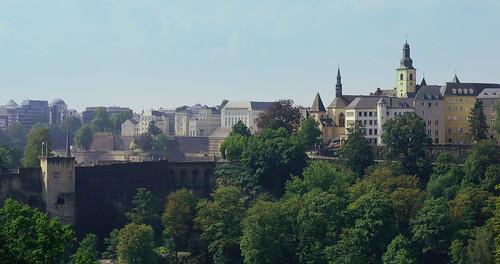 city trees green landscape sony bluesky luxembourg luxemburg grund nex bockcasemates emount nex5r sonynex5r lewist584 1855mmf3556kitlensoss