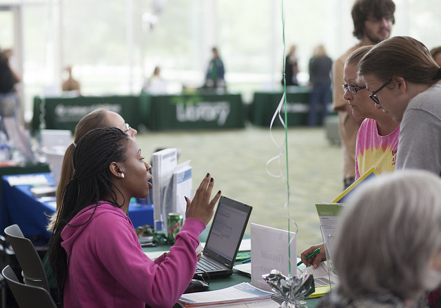 College of DuPage Hosts Express Registration Event Fall 2014