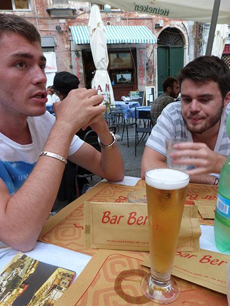 une bière au bar berto