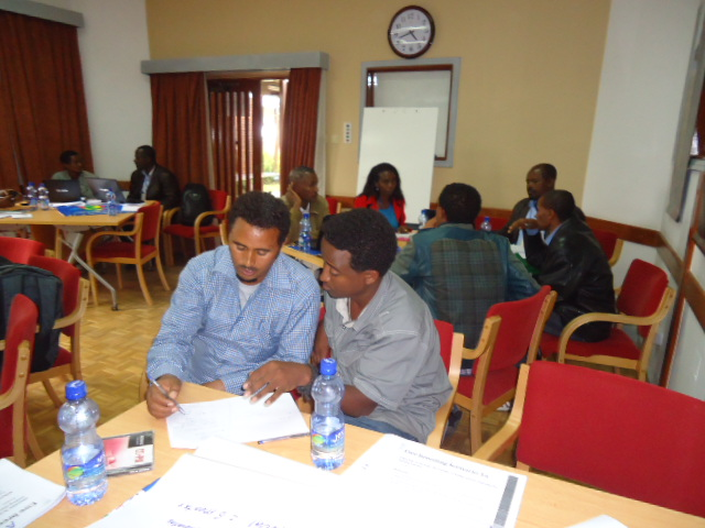 Participants discuss on the CBBP workshop