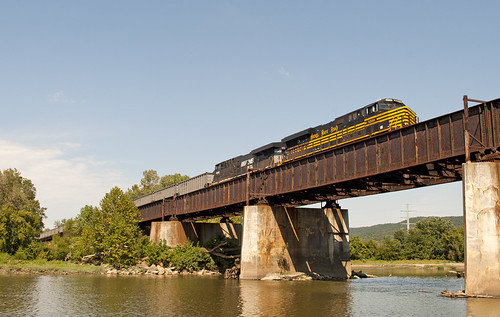 railroad bridge heritage train river ns rail ge norfolksouthern nickelplate es44ac heritageunit