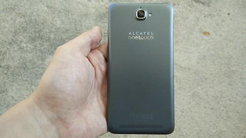 ด้านหลังของ Alcatel Onetouch Flash