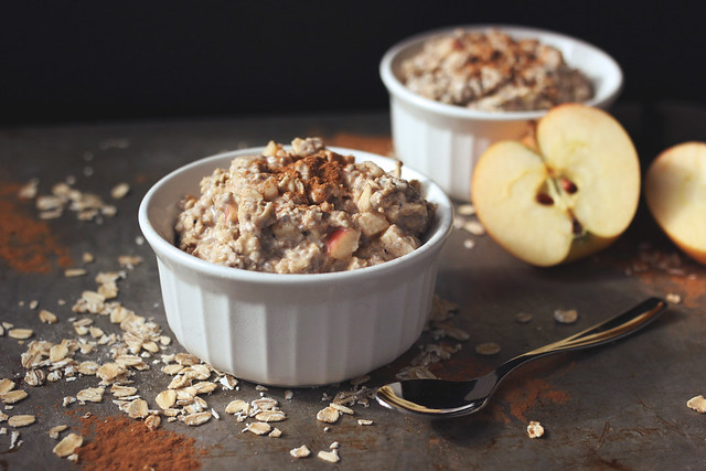 Apple Cinnamon Overnight Oats {gluten-free & vegan}