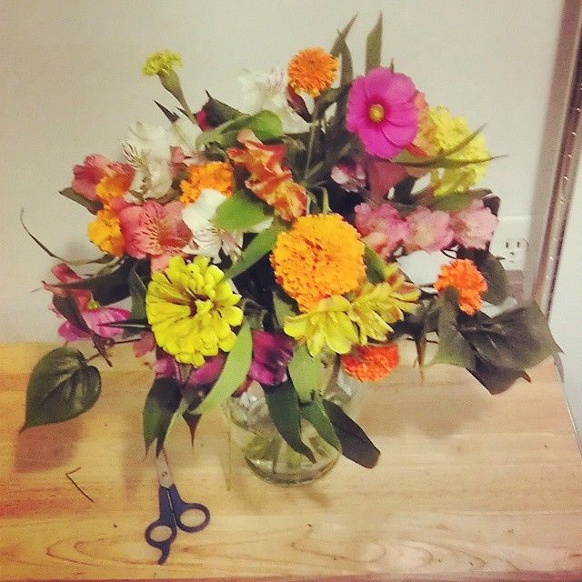 I Made this Gorgeous Flower Arrangement for Only $5