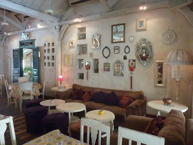 cafe bali Photo via dejaun29.blogspot.com