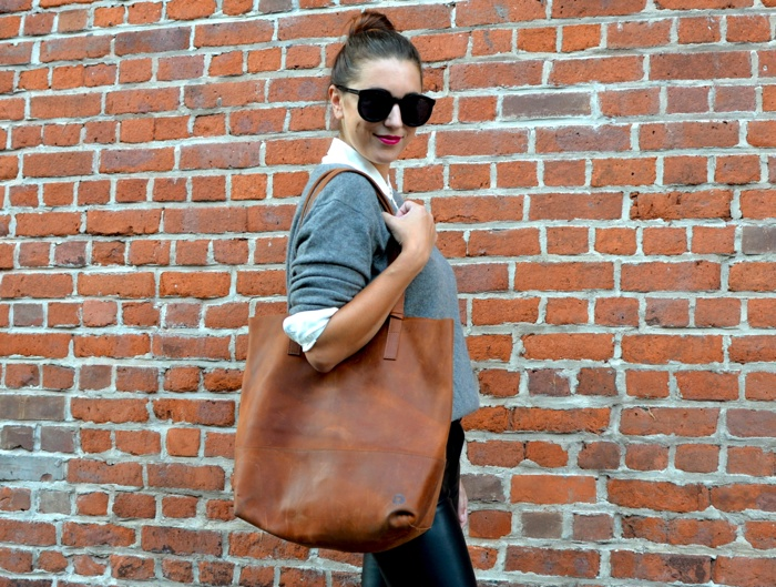 Christine-Cameron-My-Style-Pill-Buttoned-Up-Everlane-FashionAble-Tote5