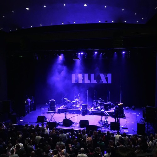 Almost showtime. Bell X1 at @corkoperahouse thanks to @aldercass #bellx1 #corkoperahouse #momnightout #whyareallgigteesblackthesedays