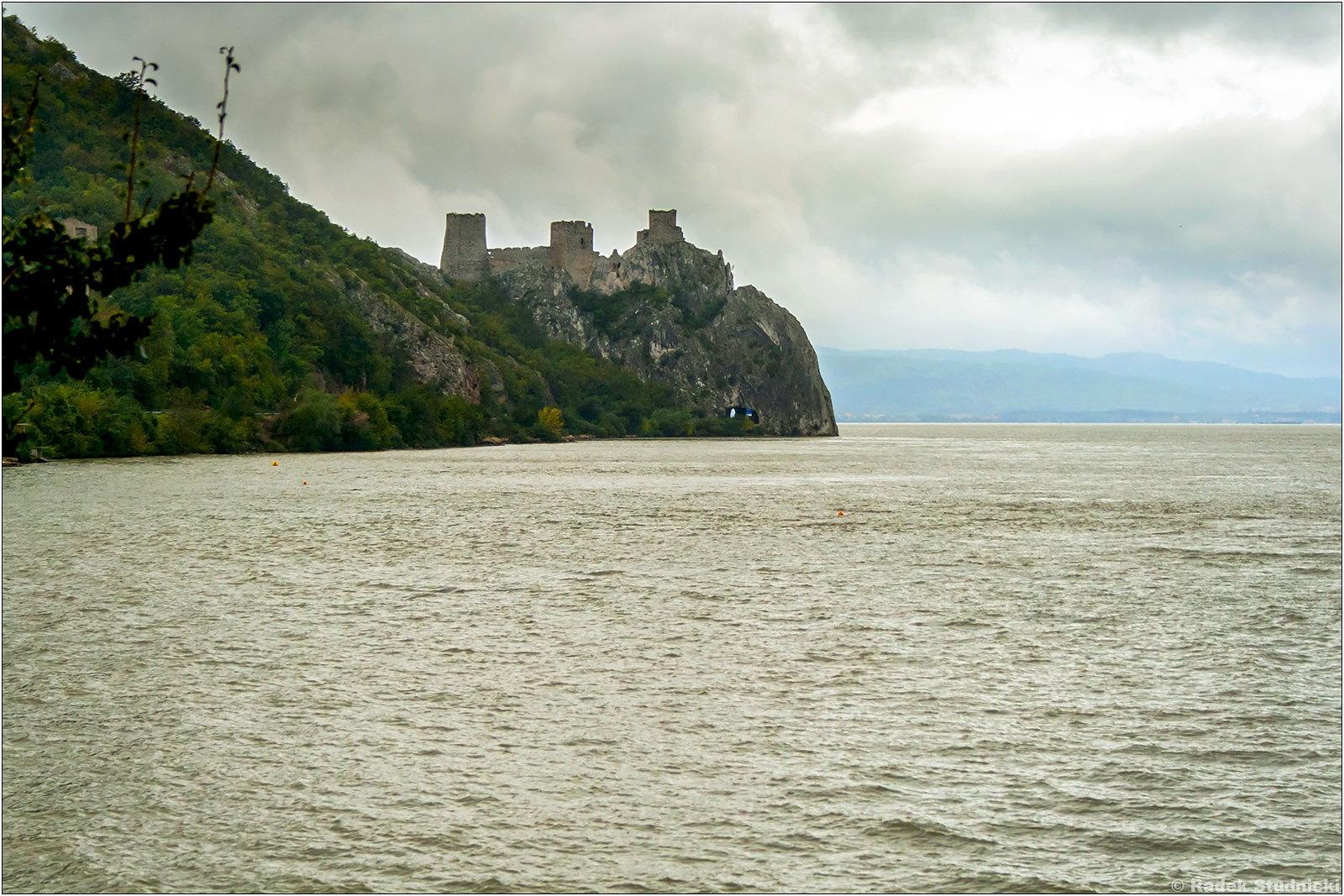 Zamek Golubac w Serbii